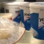 ¿Por qué no se debe conservar otros alimentos en envases de plástico?