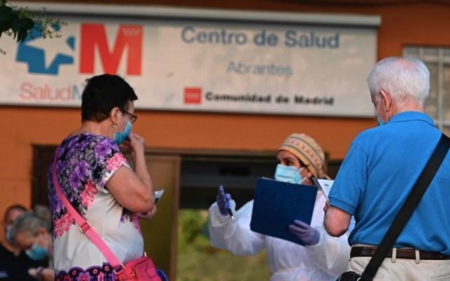 España contabiliza 241 muertos en un día, cifra más alta en segunda ola de COVID-19; preparan nuevas restricciones - Foto de EFE