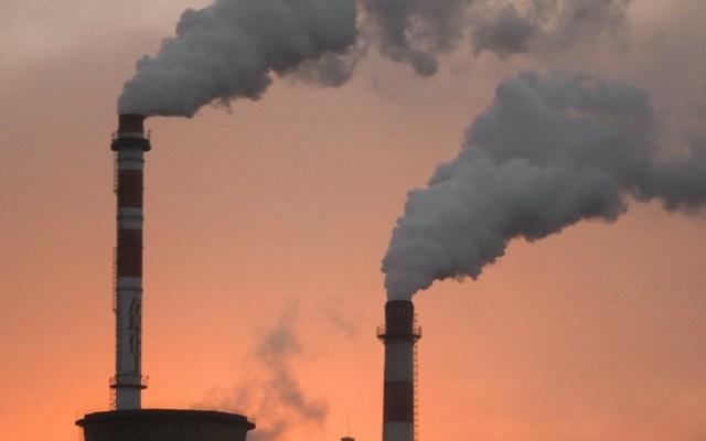 Emisiones globales de CO2 subieron 0.9% en 2019 pese a descenso en Unión Europea y EE.UU. - Foto de Alexander Tsang para Unsplash