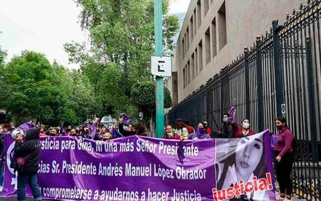 Protestan activistas frente a Segob para exigir alerta de género nacional - Feministas protestan en Segob. Foto Especial