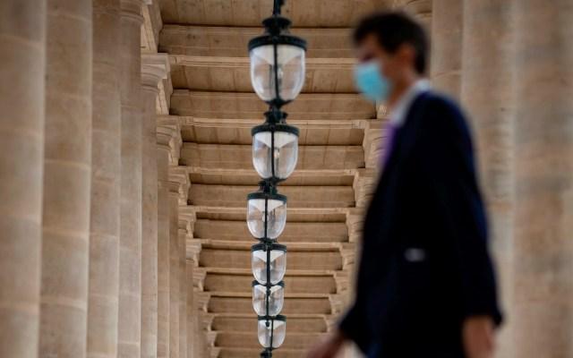 Nuevo récord de casos de COVID-19 en Francia: 13 mil 498 en un día - Foto de EFE/EPA/IAN LANGSDON/Archivo.