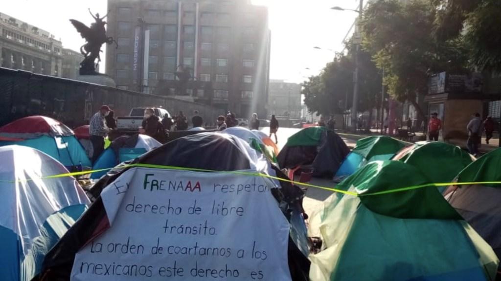 SSC retira vigilancia en plantón de integrantes de FRENAAA; manifestantes avanzarán hacia el Zócalo. Noticias en tiempo real