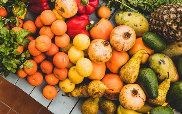 Economía vigilará cumplimiento del T-MEC en revisión de EE.UU. sobre importaciones de perecederos desde México - Frutas verduras perecederos productos