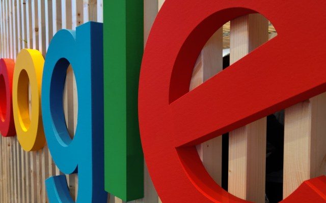 """Google admite que Assistant """"a veces"""" escucha y graba a usuarios sin permiso: India Today - Google plataforma página web"""