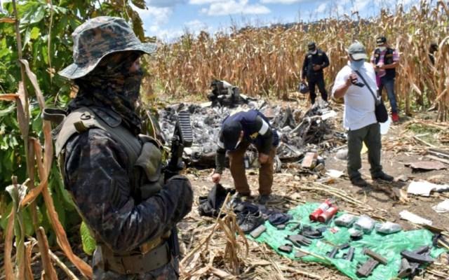 Identifican a narcotraficante muerto en aeronave robada en Morelos y accidentada en Guatemala - Foto de @Ejercito_GT