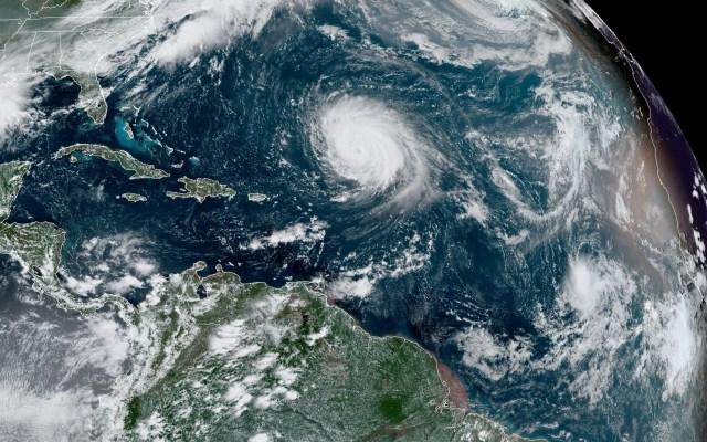 Viernes 18 de septiembre de 2020, clave en la historia de los huracanes - Huracán Teddy y tormenta tropical Wilfred. Foto de EFE/NOAA