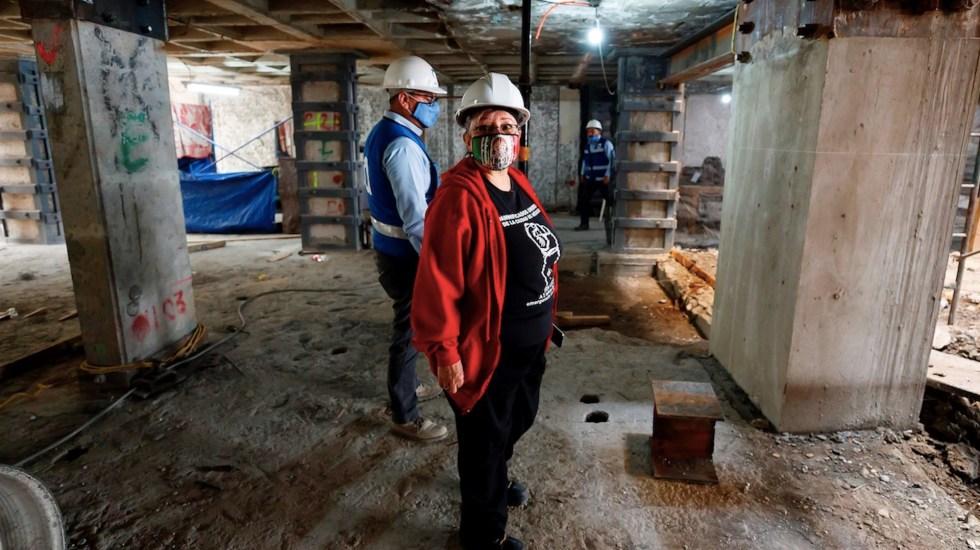 La reconstrucción y el COVID-19; damnificados del sismo de 2017 continúan en incertidumbre - Trinidad Godínez, muestra el lunes 14 de septiembre de 2020, la obra de reconstrucción del edificio que habitaba en Ciudad de México y que fuera afectado por el sismo ocurrido el 19 de septiembre de 2017 en Ciudad de México. Foto de EFE