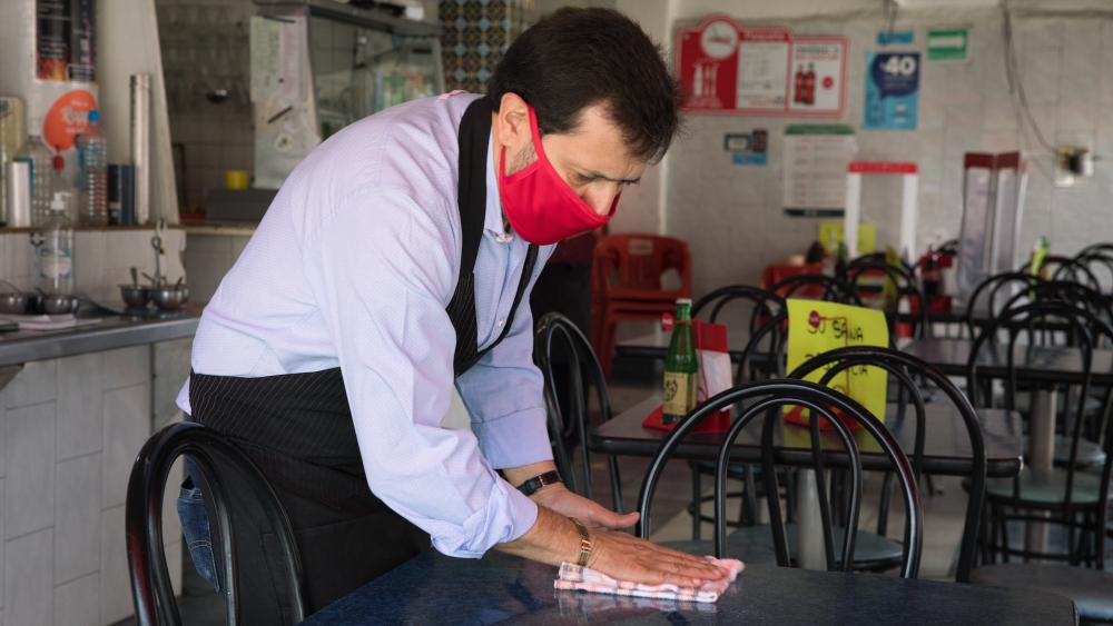 Rebrote de COVID-19 en México ocasionaría cierre de 122 mil restaurantes - Restaurante en México en la 'nueva normalidad'. Foto de IMCC