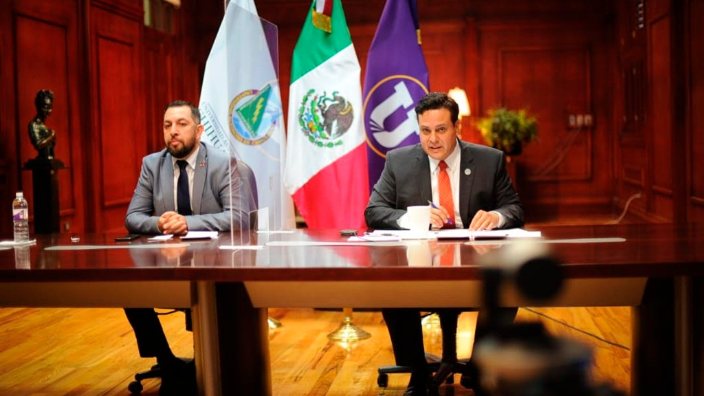 Ingresa UACH como segunda universidad pública mexicana al Grupo Compostela de Universidades - A la derecha, el rector de la UACH, M.E. Luis Alberto Fierro Ramírez. Foto UACH