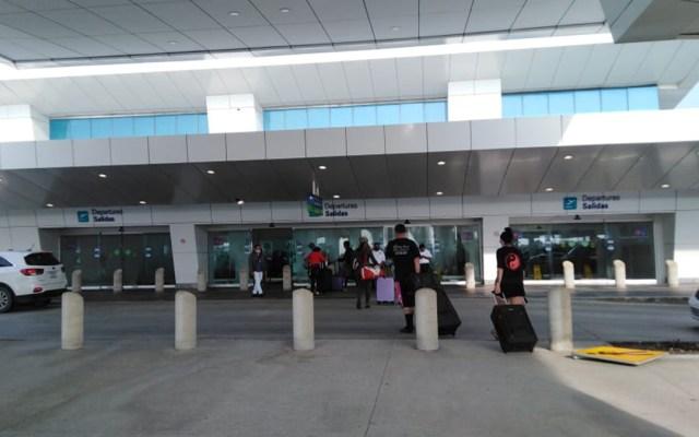 Reanuda operaciones Aeropuerto de Cancún tras paso del huracán Delta - Aeropuerto Internacional de Cancún. Foto de @SedeturQROO
