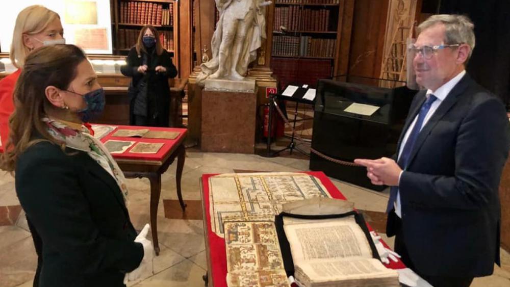 Beatriz Gutiérrez detalla convenio con Austria para acceder a acervo histórico