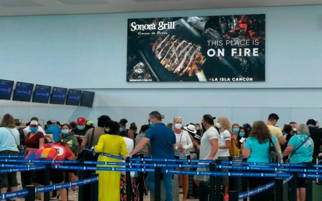 Suspende actividades Aeropuerto Internacional de Cancún por huracán 'Delta' - El Aeropuerto Internacional de Cancún. Foto Twitter @maryferduk