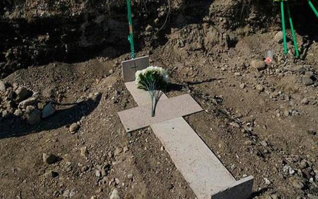 Tumbas sin nombre se acumulan en cementerio de Stepanakert; en medio del fallido cese al fuego entre Armenia y Azerbaiyán - Foto EFE