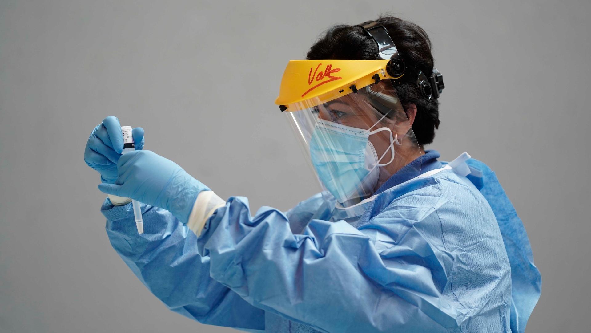 El número de nuevos contagios por Covid alcanza los 23.580, según Sanidad