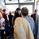 Europa no frena la pandemia y sube la tensión por el retraso de las vacunas - Foto de EFE