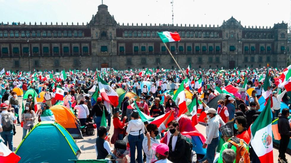 """López Obrador advierte que ya se formó """"un FRENAAA 2"""" - Foto de EFE"""