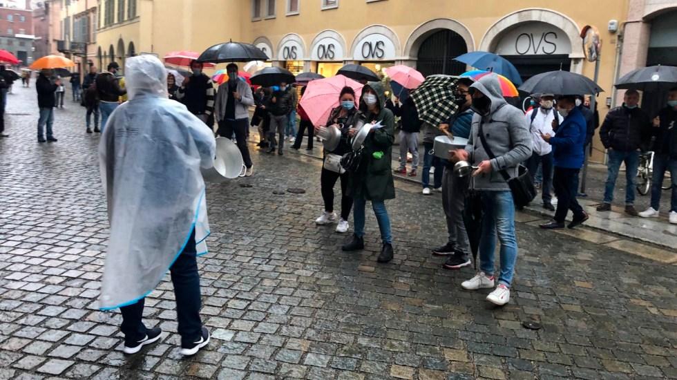 Italia suma 17 mil contagios y 141 muertos en un día de nuevos cierres - Foto de EFE