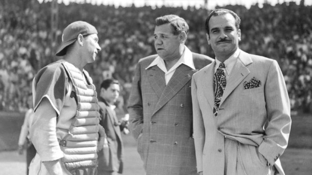 Académicos hablarán sobre rol de Jorge Pasquel en la integración racial en el béisbol - Jorge Pasquel (derecha) y Babe Ruth (centro). Foto de @MXESTADIOS