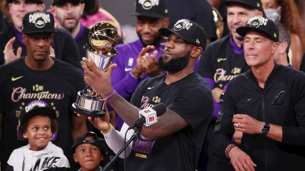 Con cuarto título y MVP, LeBron James continúa a la caza de Michael Jordan - LeBron James NBA Campeón MVP
