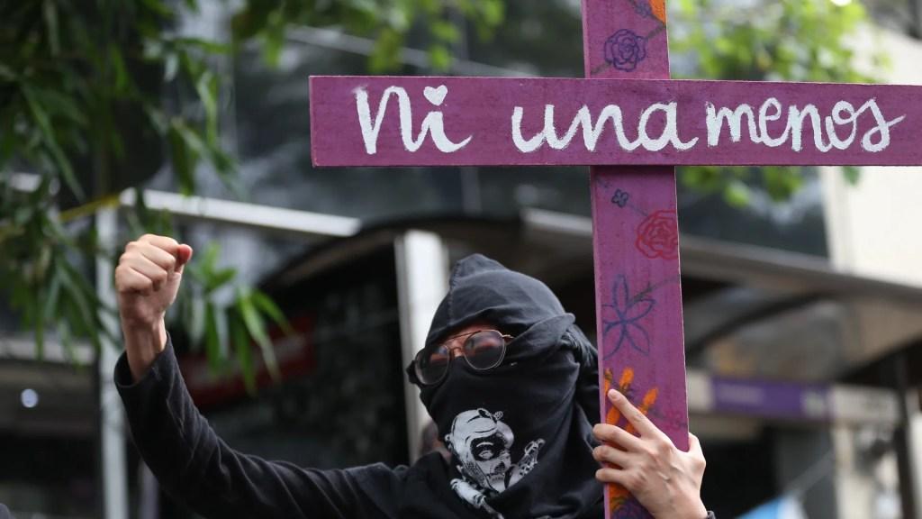 Lideresa del colectivo feminista Brujas del Mar, una de las 100 mujeres más influyentes de 2020 - Manifestación en la Ciudad de México contra el feminicidio. Foto de EFE