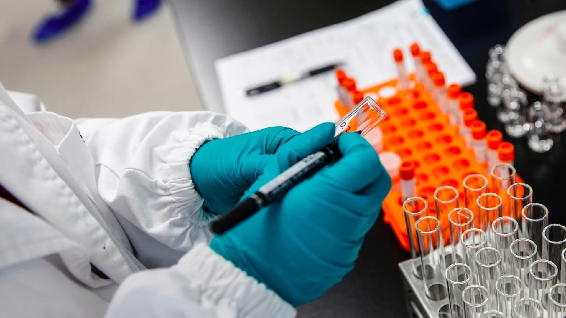 Moderna concluye la inscripción de 30,000 personas para prueba de su vacuna