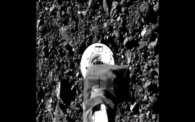 """Nave de la NASA recoge muestras """"suficientes"""" y """"abundantes"""" de asteroide Bennu - Foto Twitter @NASA"""