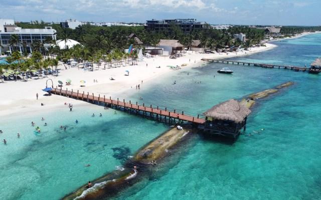 Prevé López Obrador que turismo en sureste de México se normalice a fin de año - Playa Quintana Roo. Foto de @SedeturQROO