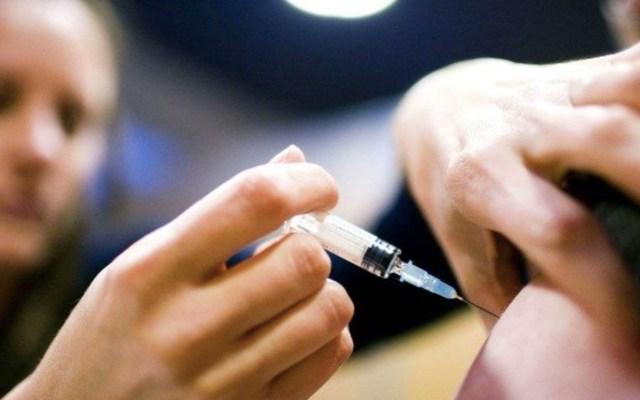 Suman alrededor de 300 mil personas vacunadas contra la influenza en CDMX - Vacuna contra influenza. Foto de Forbes