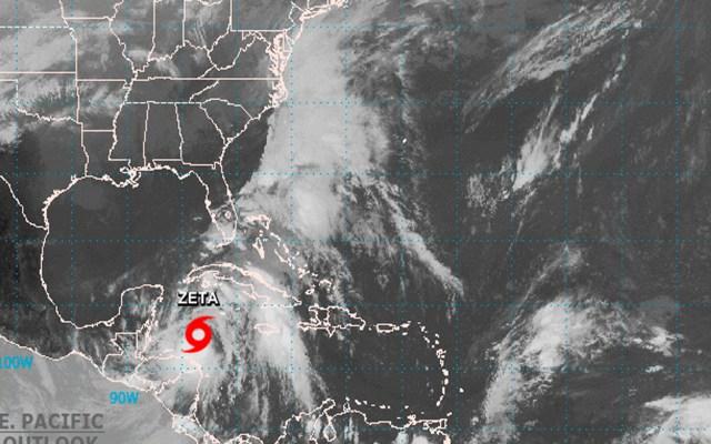 Tormenta tropical 'Zeta' se continúa fortaleciendo en su camino hacia Yucatán y Quintana Roo - Foto Twitter @NWSNHC