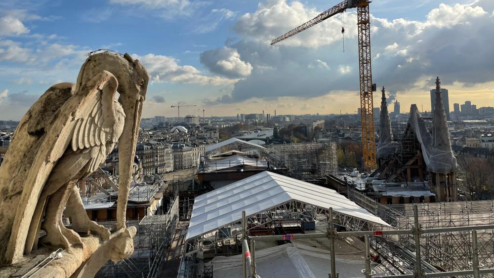 Obras en la catedral de Notre-Dame retiraron todo el andamiaje quemado - Foto de @notredameparis