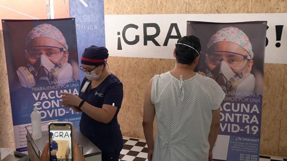 Recibe América 'alentadoras' noticias sobre vacunas contra COVID-19 - Aplicación de dosis experimental de vacuna contra el COVID-19 en Oaxaca. Foto de EFE
