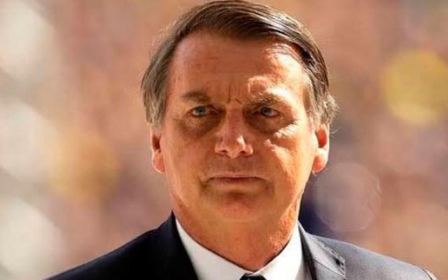"""Bolsonaro dice que todos deberían comprar un fusil para no ser """"esclavizados"""" - Bolsonaro asegura que hubo fraude en elecciones de EE.UU.; esperará un poco más para fecilitar a Biden. Foto Twitter @jairbolsonaro"""