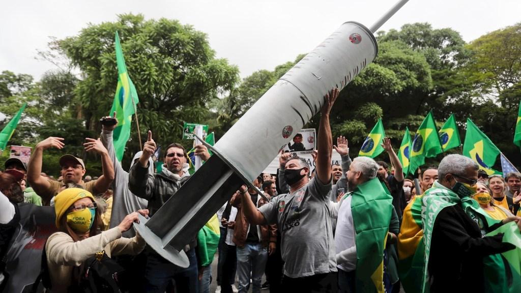 Simpatizantes de Bolsonaro protestan contra obligatoriedad de vacuna contra COVID-19 en Sao Paulo - Bolsonaro Protesta Sao Paulo Brasil vacuna COVID-19