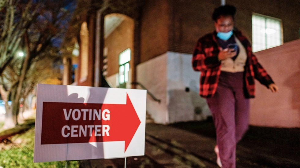Cierran las primeras urnas en cuatro estados clave para las elecciones de Estados Unidos - Foto de EFE