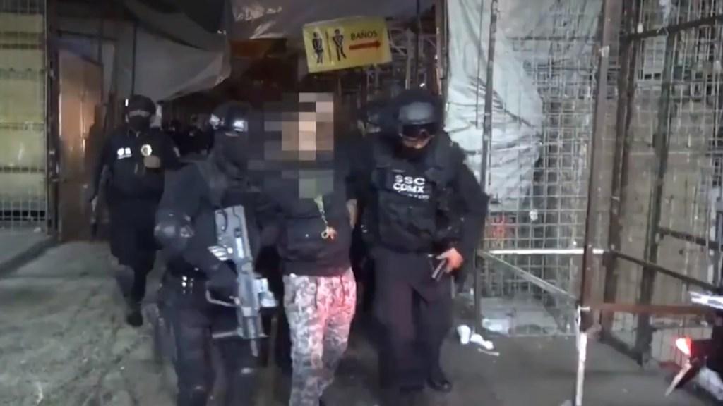 #Video Decomisan en CDMX más de 35 kg de mariguana y detienen a nueve personas - Detenidos durante cateos en la colonia Morelos de la CDMX. Captura de pantalla