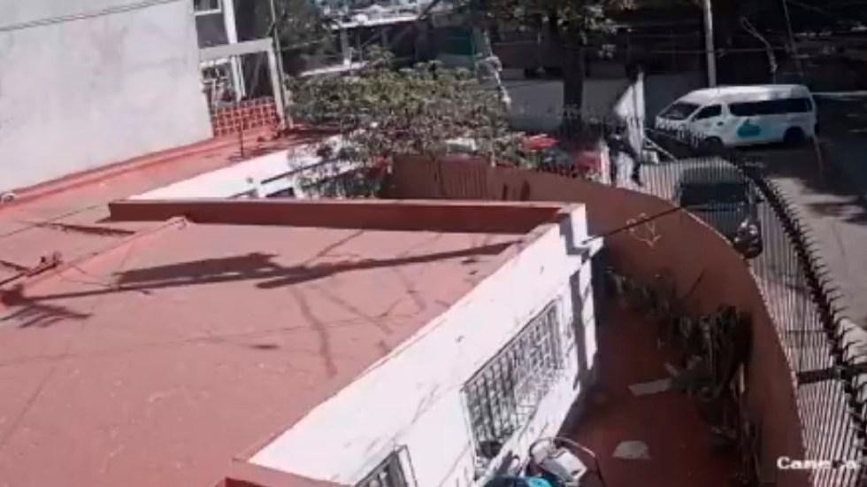 Detienen a cuatro sujetos por intento de robo en vivienda de Iztapalapa - Detienen a cuatro sujetos por intento de robo en una vivienda de Iztapalapa. Foto Captura de pantalla