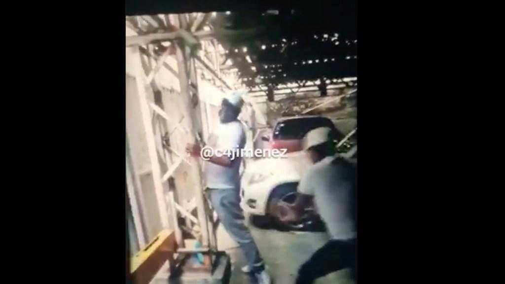 #Video 'El Pechugas', integrante de la Unión Tepito que golpeaba a sus víctimas con tablas - Captura de pantalla