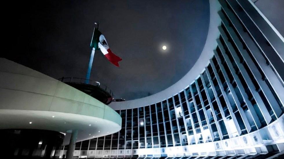 Senado aprueba ley para que UIF pueda bloquear cuentas sin orden judicial - El Senado aplaza para el jueves debate sobre consumo lúdico de la marihuana. Foto Twitter @senadomexicano