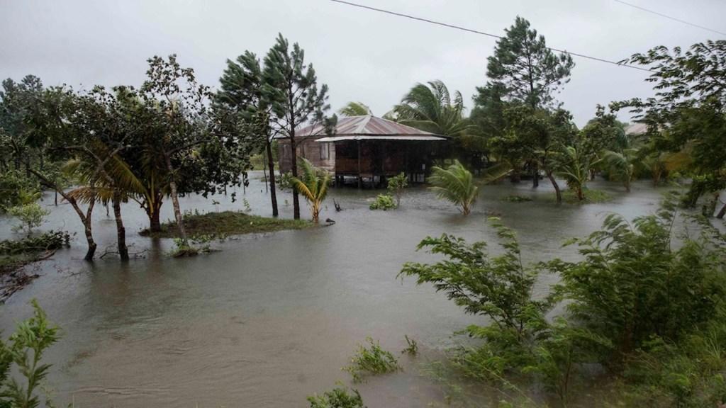 Eta se degrada a tormenta tropical; ya no representa riesgo para Quintana Roo - Foto de EFE