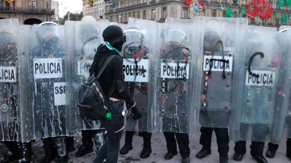 Persistirá crisis de derechos humanos en México en 2021, agravada por pandemia - Manifestación feminista en Zócalo de la Ciudad de México. Foto de EFE / Archivo