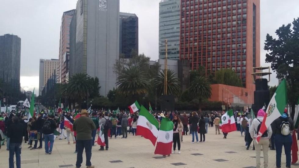 Integrantes de Frenaaa realizan marcha hacia el Ángel de la Independencia en la Ciudad de México - Foto de @5GTANofficial