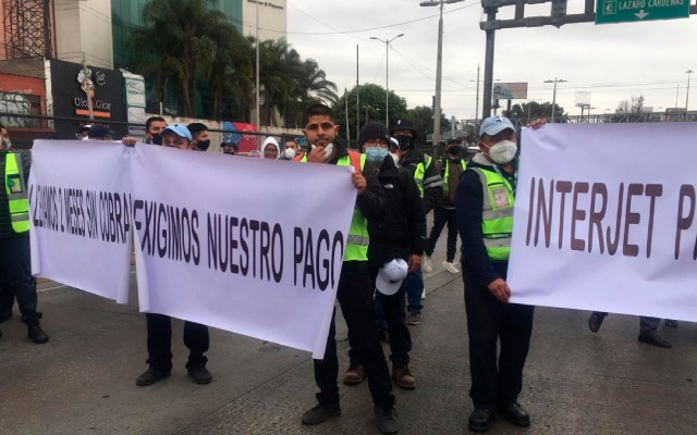 Trabajadores de Interjet bloquean Circuito Interior - Foto Twitter @ErickPintoMx