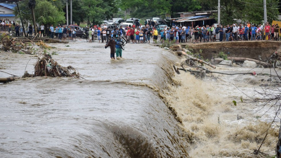 Iota causa 26 muertos a su paso por Centroamérica y el Caribe - Inundaciones por Iota en Honduras. Foto de EFE
