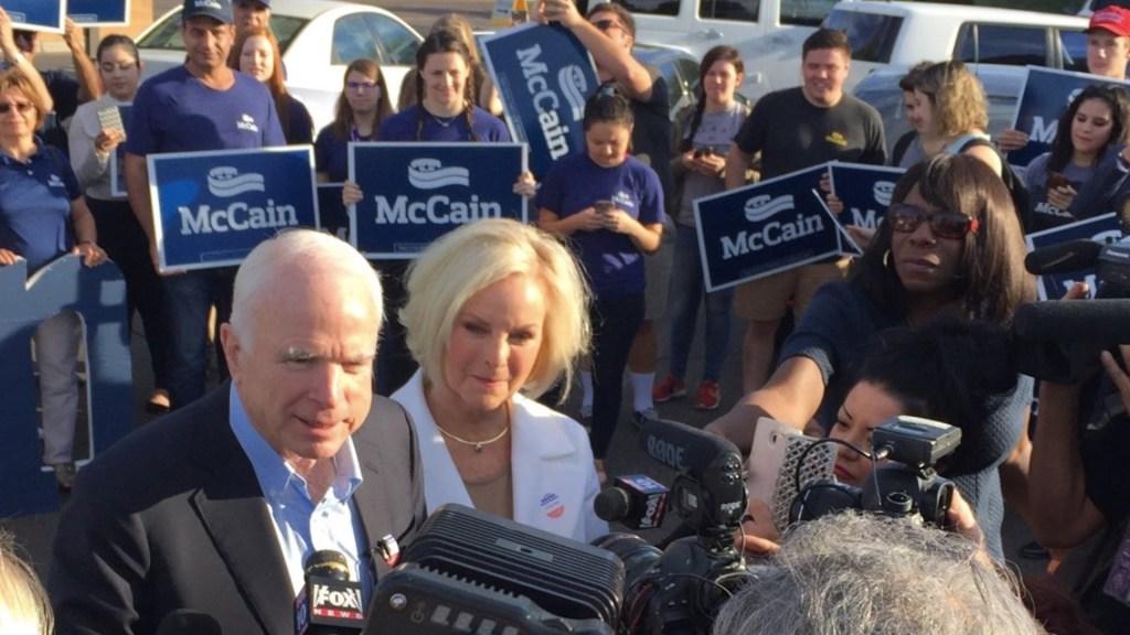 "Familia de John McCain está ""aliviada"" por el triunfo de Biden sobre Trump - Foto de Twitter @cindymccain"