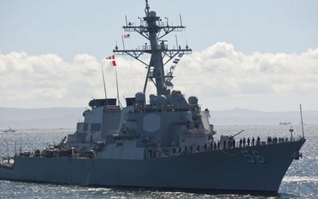 Rusia intercepta a buque estadounidense en sus aguas - John McCain destructor Estados Unidos