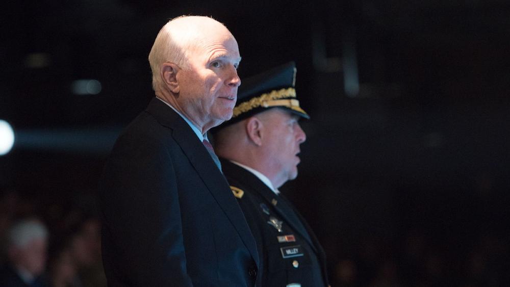 La venganza póstuma del senador McCain contra Trump - Foto de John McCain