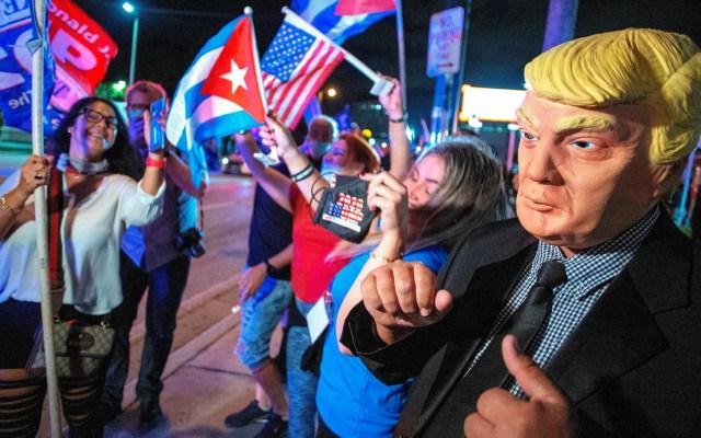 Cubanos que votaron por Trump quieren cuatro años más de presión a Cuba - Foto de EFE