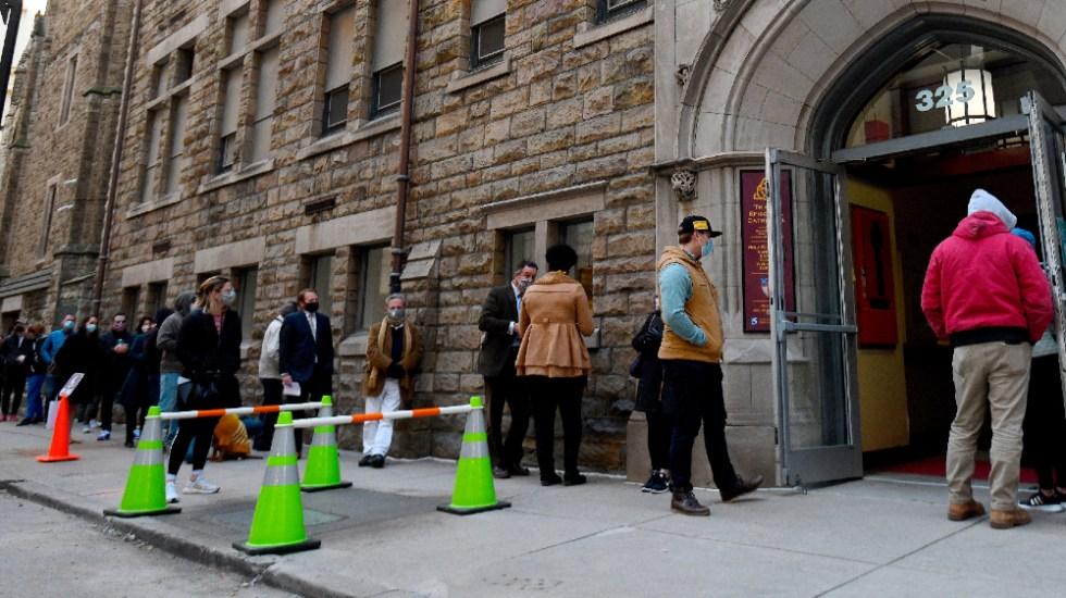 EE.UU. acude de forma desigual a las urnas con esperanza, ansiedad y cautela - Foto de EFE