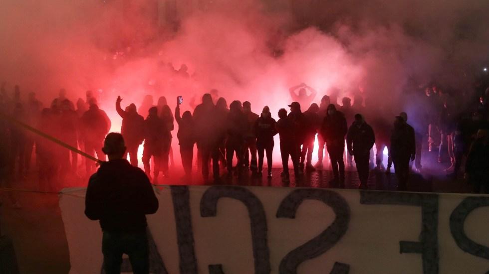 Respalda OMS protestas contra restricciones por COVID-19 si son pacíficas y ordenadas - Protestas en Italia contra restricciones por COVID-19. Foto de EFE