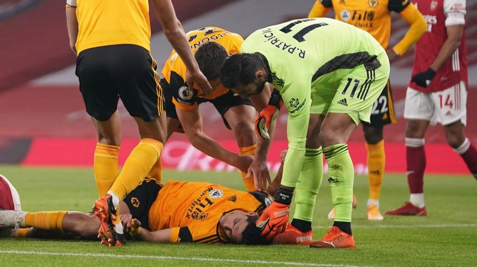"""Espero pronto regresar a las canchas"", afirma Raúl Jiménez tras fractura de cráneo - EFE/EPA/John Walton"